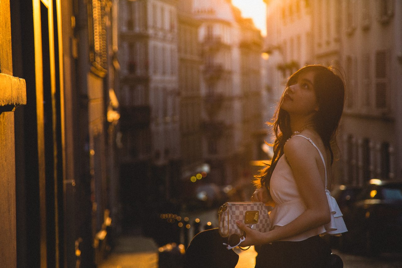 MG_69161-1280x854 Lost in a moment Portraits  ảnh cưới paris elopement photography paris feature film paris france french girl in paris louvre louvre paris Paris Paris portrait photography paris street photography portrait louvre portraits portraits in Paris vietnamese wonderlust photography
