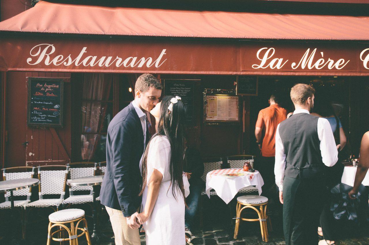 Q1A98741-1280x853 A walk in Montmartre Couples Weddings & Couples  ảnh cưới paris ảnh đôi paris Couple Photography in Paris feature montmartre montmartre photography pre wedding paris sunset montmartre Wedding Photographer in Paris