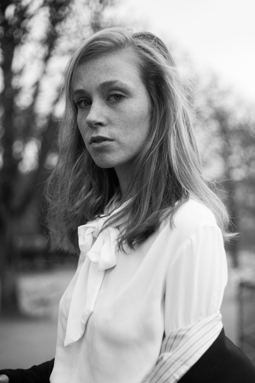 Q1A8703-854x1280 My Parisian girl Portraits  black and white paris chụp ảnh paris dutch in paris fashion blogger Fashion Photography french mode Paris portrait photography portrait paris wanderlust photography