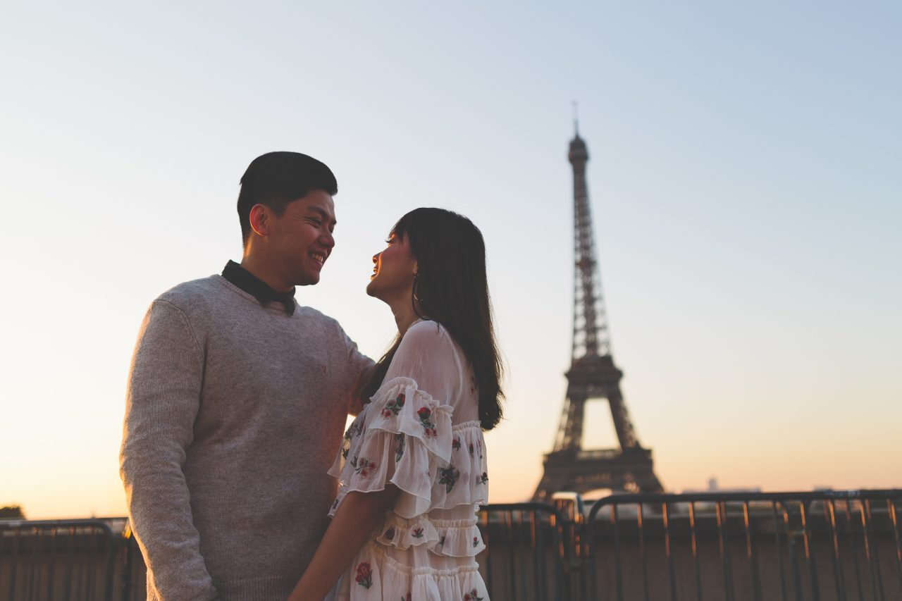 Q1A2086-1280x853 Morning stroll in Paris Weddings Weddings & Couples  ảnh cưới paris ảnh đôi paris chụp ảnh paris couple photographie paris Couple Photography in Paris eiffel tower elopement photography paris engagement photography feature mariage photographe Paris portrait photography pre wedding paris soignethelabel tippytapp Wedding Photographer in Paris