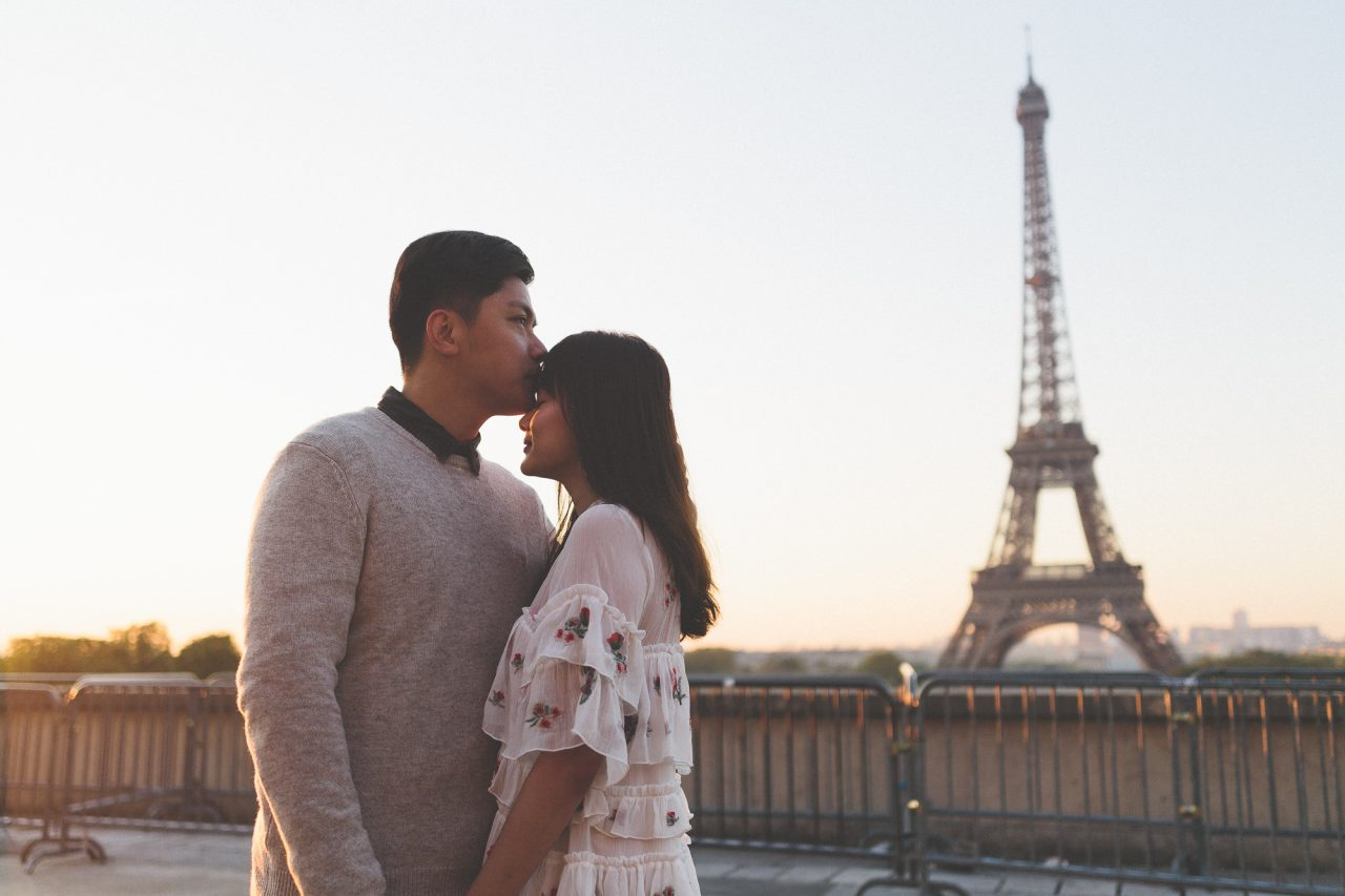 Q1A2087-1280x853 Morning stroll in Paris Weddings Weddings & Couples  ảnh cưới paris ảnh đôi paris chụp ảnh paris couple photographie paris Couple Photography in Paris eiffel tower elopement photography paris engagement photography feature mariage photographe Paris portrait photography pre wedding paris soignethelabel tippytapp Wedding Photographer in Paris