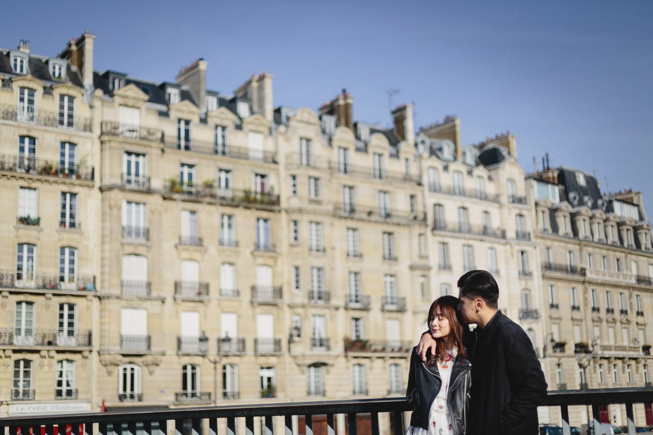 Q1A2780-1280x853 Morning stroll in Paris Weddings Weddings & Couples  ảnh cưới paris ảnh đôi paris chụp ảnh paris couple photographie paris Couple Photography in Paris eiffel tower elopement photography paris engagement photography feature mariage photographe Paris portrait photography pre wedding paris soignethelabel tippytapp Wedding Photographer in Paris