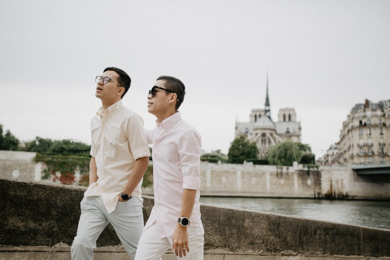 3Q1A9892-1280x853 Away We Wow in Paris Blog Weddings & Couples  adrian and son ảnh cưới paris ảnh đôi paris away we wow paris chụp ảnh cưới châu âu chụp ảnh paris Couple Photography in Paris eiffel tower elopement photography paris engagement photography feature gay couple photography pre wedding paris same sex couple paris same sex couple photography vietnamese photographer paris wanderlust photography Wedding Photographer in Paris