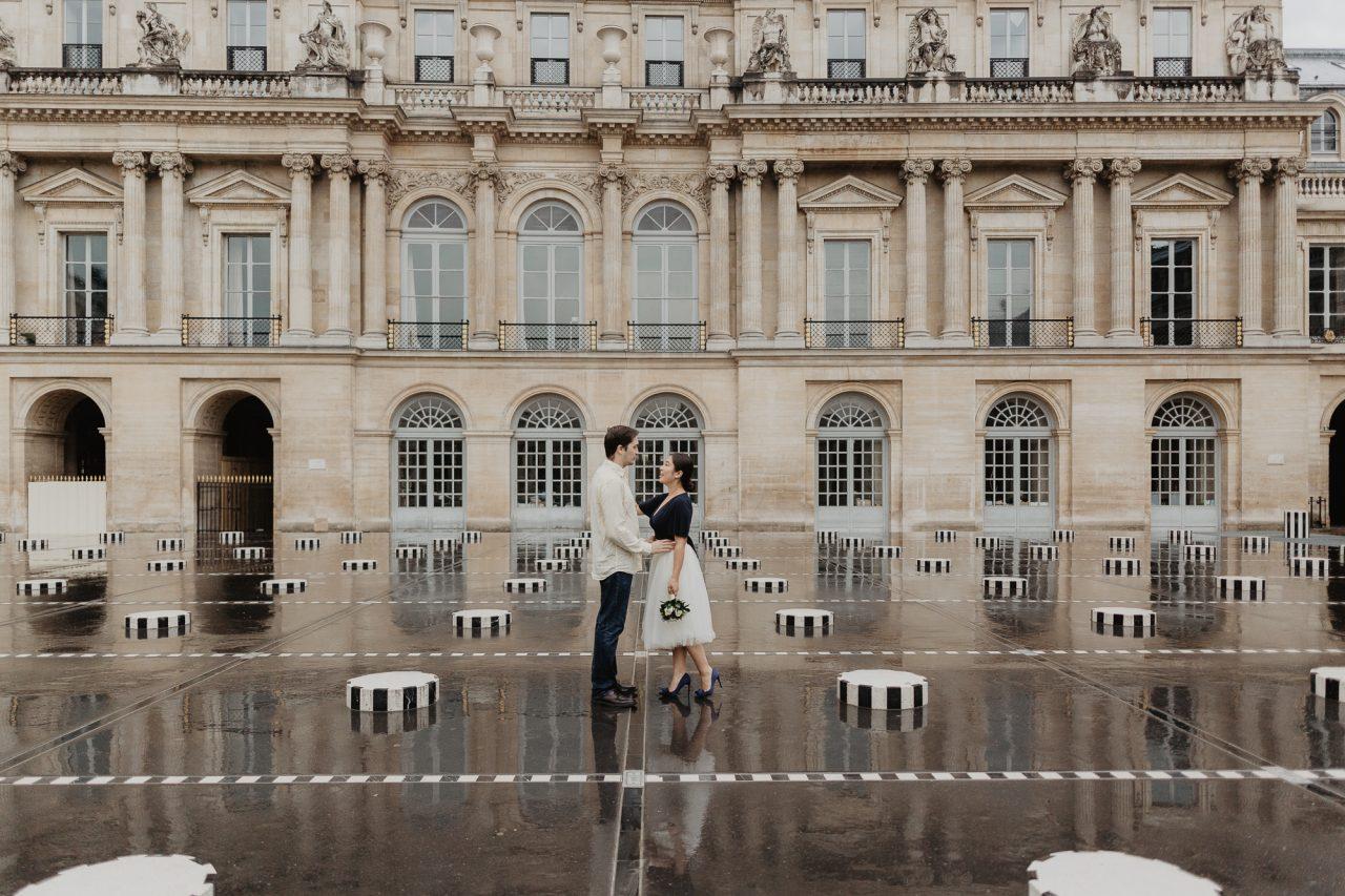 3Q1A2262-1280x853 Paris under the rain Weddings & Couples  couple louvre couple paris rain Couple Photography in Paris elopement photography paris engagement photography paris in the rain pont du carrousel pre wedding paris rain paris Wedding Photographer in Paris