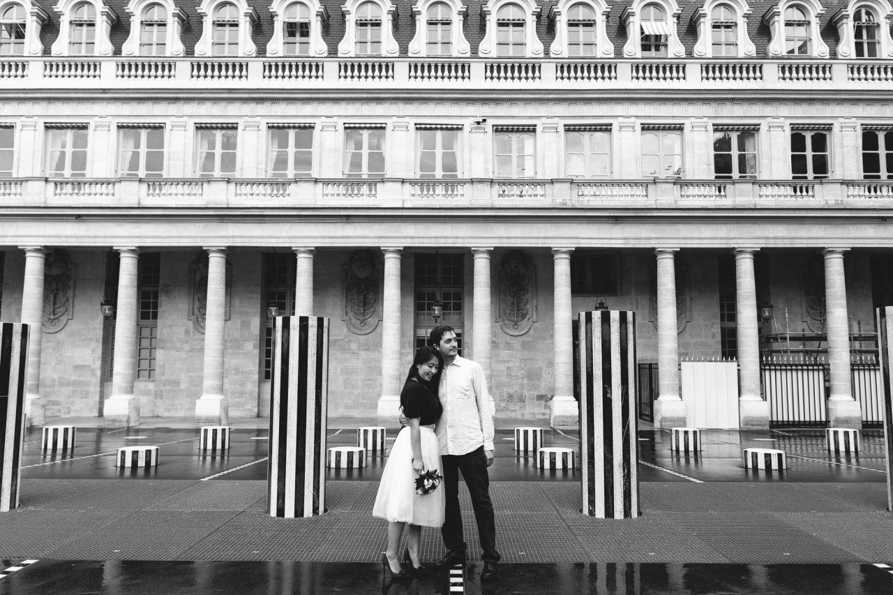 3Q1A2381-2-1280x853 Paris under the rain Weddings & Couples  couple louvre couple paris rain Couple Photography in Paris elopement photography paris engagement photography paris in the rain pont du carrousel pre wedding paris rain paris Wedding Photographer in Paris