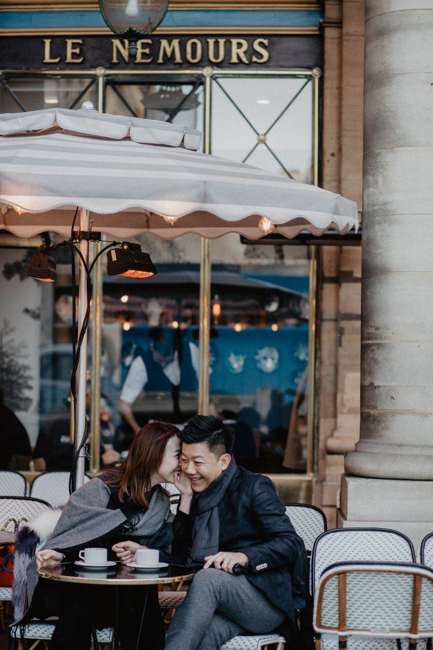 3Q1A0174-854x1280 Paris in winter Weddings & Couples  chụp ảnh paris Couple Photography in Paris couple sunrise photo eiffel tower elopement photography paris engagement photography pre wedding paris singapore photographer paris vietnamese photographer paris Wedding Photographer in Paris winter couple photo paris winter paris winter wonderland paris