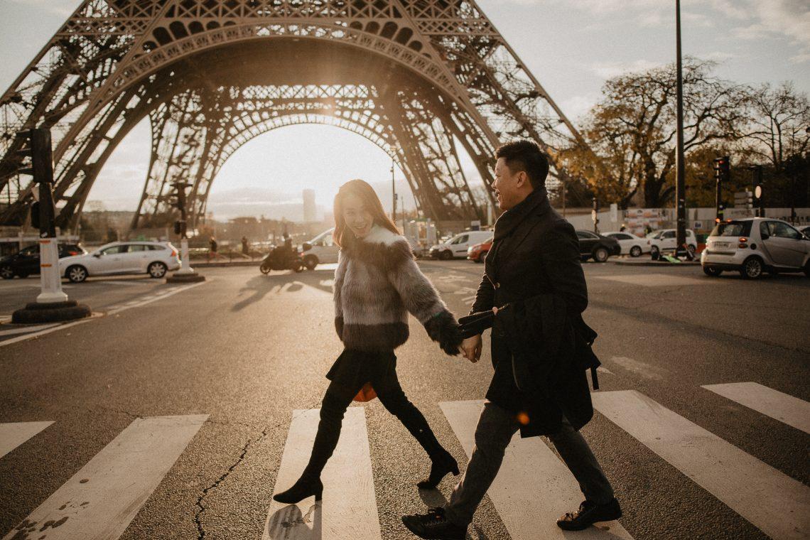 Running Winter Couple Eiffel tower sunrise Paris