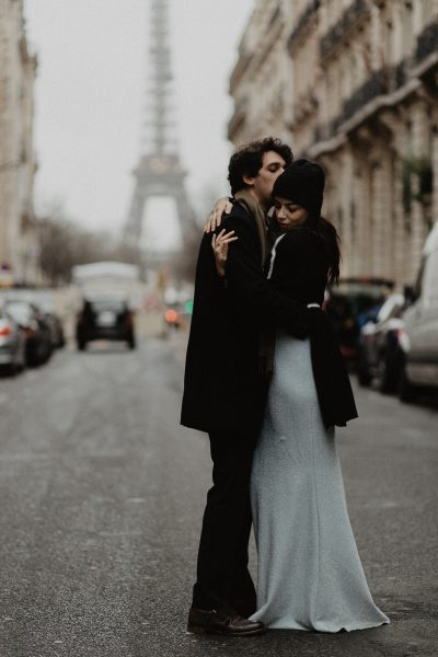 3Q1A1930-400x600 Loving from a long distance Weddings & Couples  Couple Photography in Paris eiffel tower elopement photography paris engagement photography feature italian couple italian photographer paris long distance relationship paris portrait paris