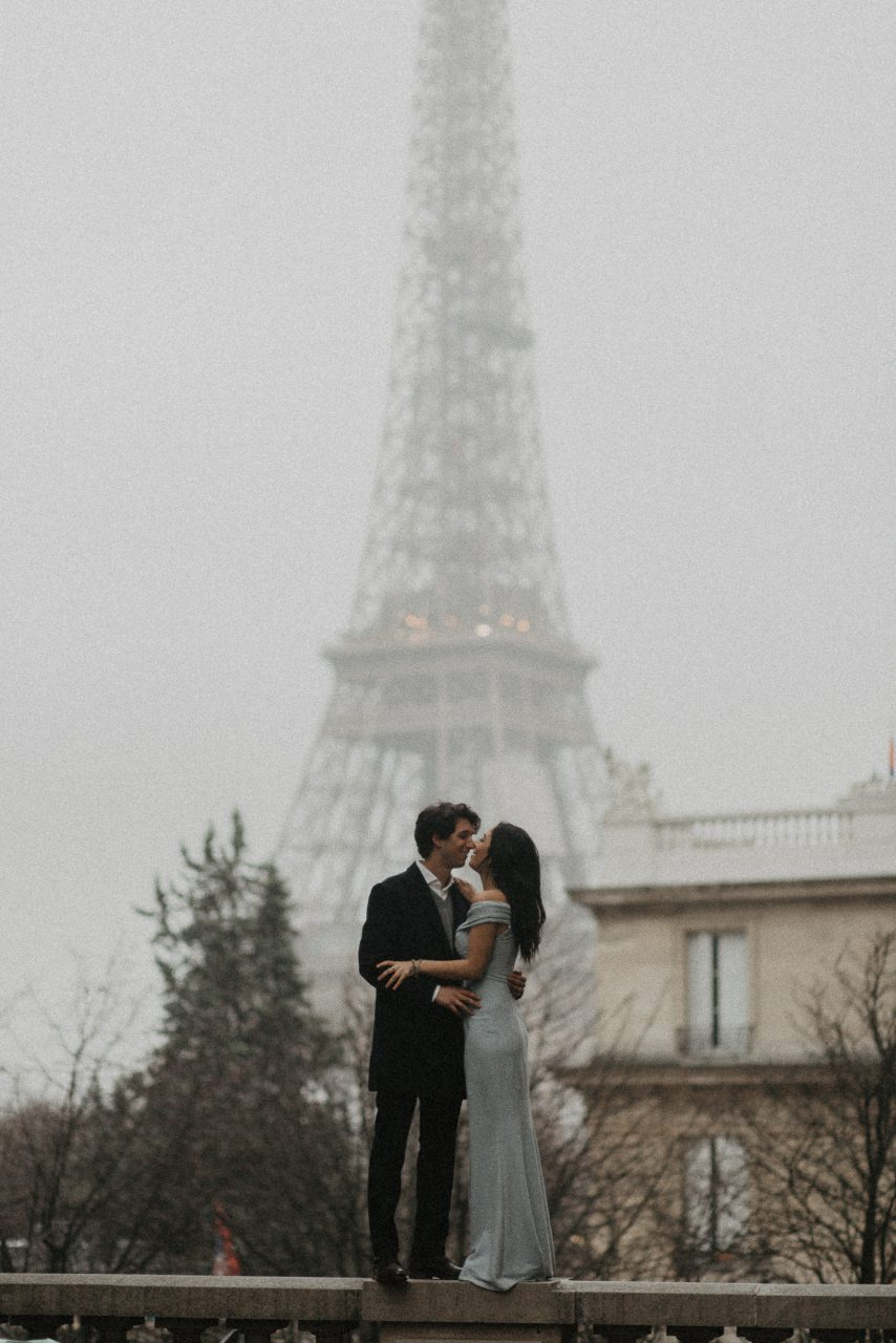 3Q1A2046-854x1280 Loving from a long distance Weddings & Couples  Couple Photography in Paris eiffel tower elopement photography paris engagement photography feature italian couple italian photographer paris long distance relationship paris portrait paris